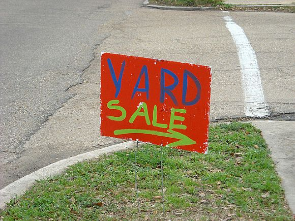 YardSaleSign Preparing For A Garage Sale, Part I: Decluttering