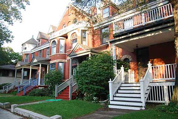 chicago row house diy DIY City Guide: Chicago
