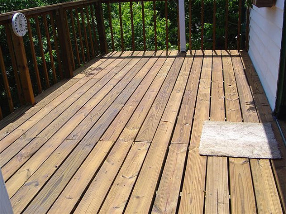 Fall Is A Great Time To Stain Your Deck