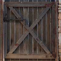 diy wood gate small Help Wanted: Design Ideas for a Driveway Gate