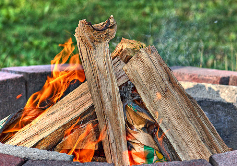fire pit Turn Up The Heat With A DIY Backyard Fire Pit