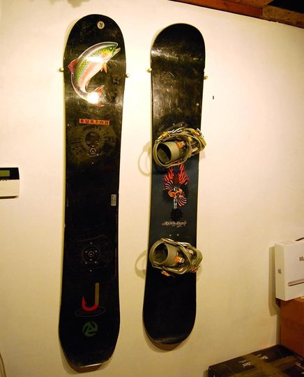 How To Display A Snowboard On The Wall