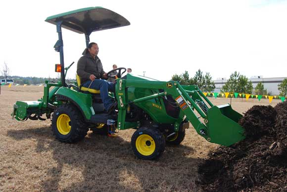 John Deere 1023E Sub-Compact Tractor Review