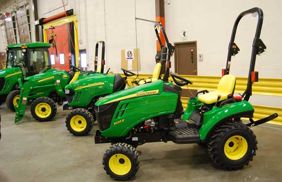 John Deere Compact Tractor Attachments : John deere e sub compact tractor review