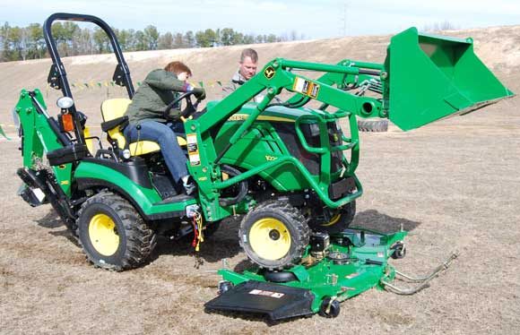 john deere 1026r autoconnect deck John Deere 1026R Sub Compact Tractor Review