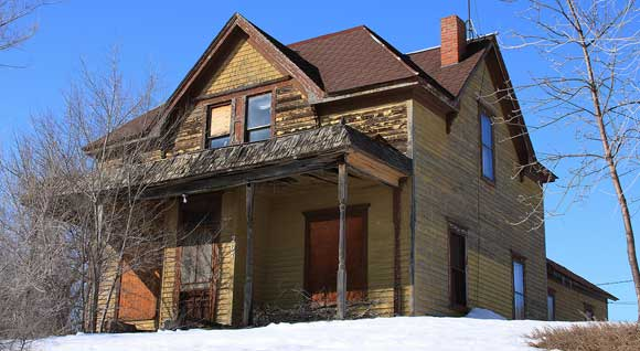 living-haunted-house.jpg