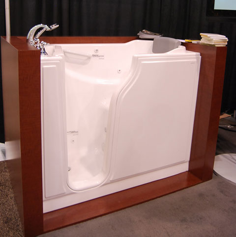 safety tub builders show Safety Tubs Bring Universal Design to the Bathroom