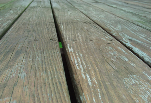 Tips for Simple Deck Staining