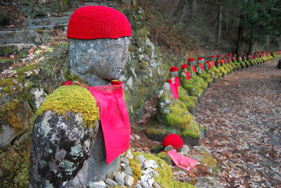 statues nikko monks Praying for Japan