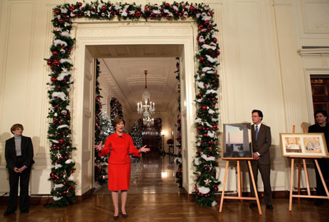 white house christmas bush White House Christmas Decorating Ideas