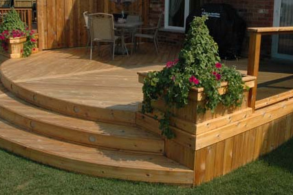 Build Your Own Patio Planter from Wood or Concrete